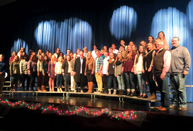 Mark Lowry Pays Visit To Choir Students at Bremen High School