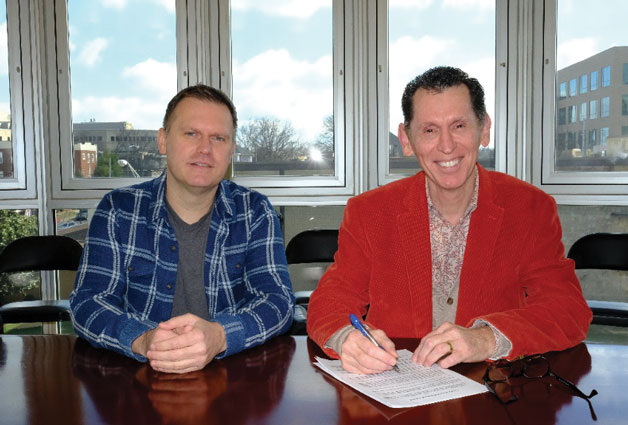Tim Lovelace Signs with StowTown Records