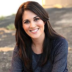 Julie Elias