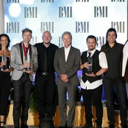 Building 429's Jason Roy takes home song of the year!