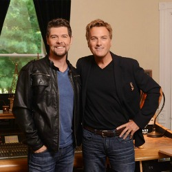 "MICHAEL W. SMITH TAPS JASON CRABB AS SPECIAL GUEST FOR FINAL LEG OF ""WORSHIP AROUND THE WORLD"" TOUR"