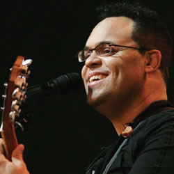 Israel Houghton: What God's Heat Beats For