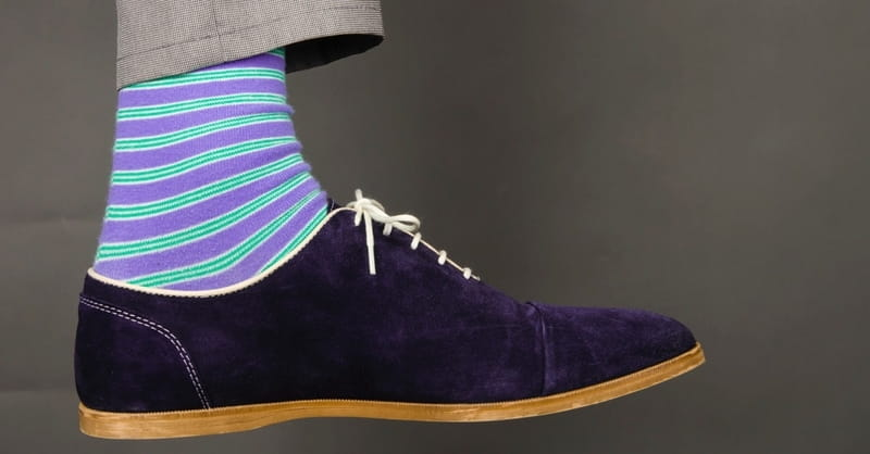 3 Simple Ways to Bless the Socks off Your Pastor