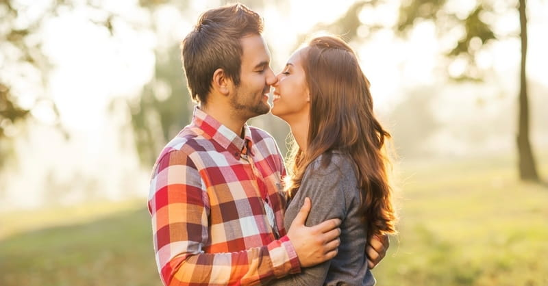 6 Universal Signs of a Healthy Relationship
