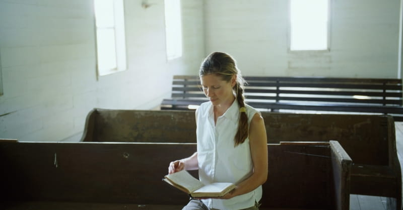 What Does 1 Corinthians 14 Mean When it Says Women Are to Keep Silent in the Church?