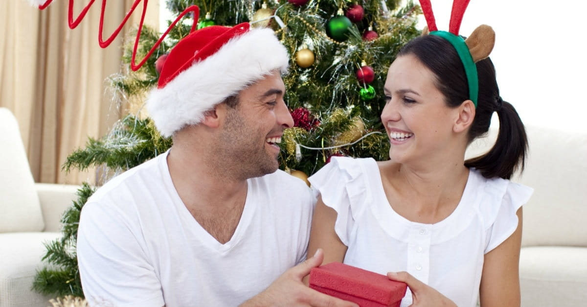 5 Ways for Husbands and Wives to Face the Holidays as a Team
