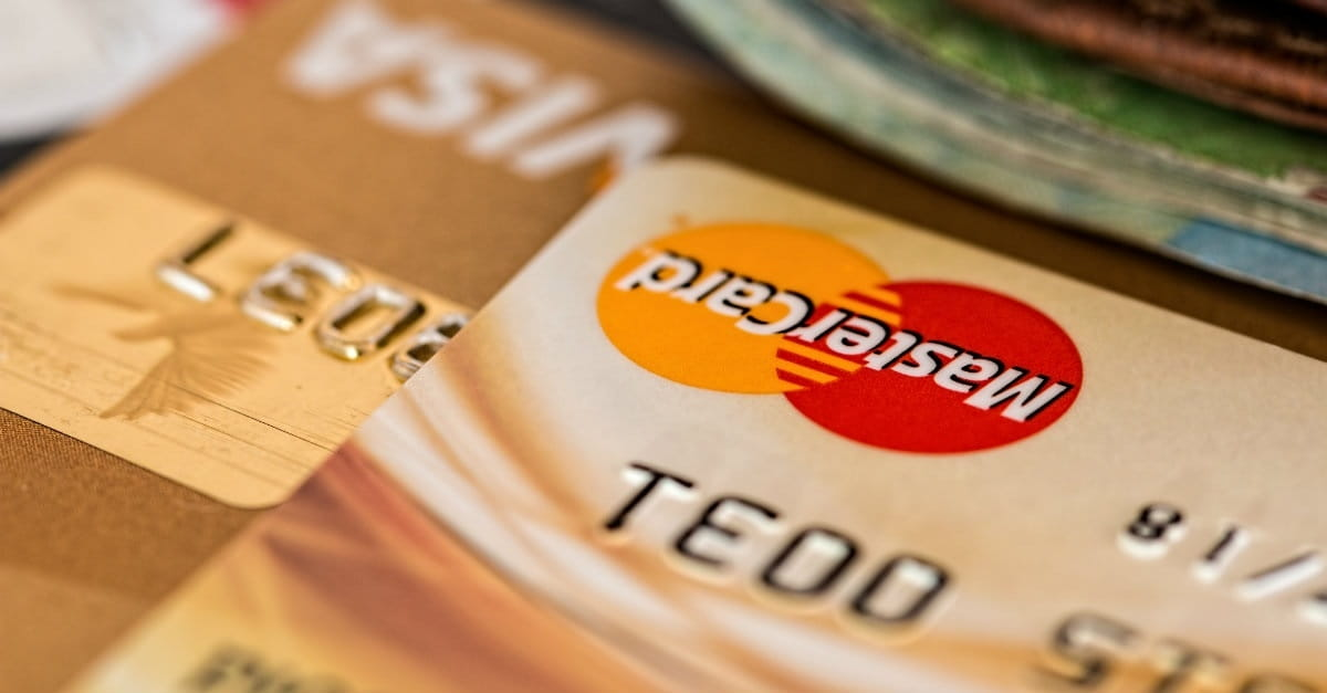 4 Reasons I Hate Credit Cards (and Why You Should Too)