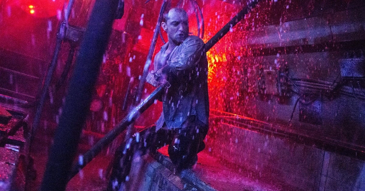<i>Black Sea</i>'s Thrilling, Twisty Ride Freshens Up the Heist Genre