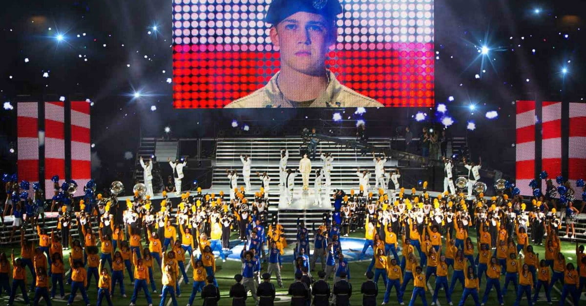 <i>Billy Lynn's Long Halftime Walk</i> Studies Perception vs. Reality of Wartime Heroism