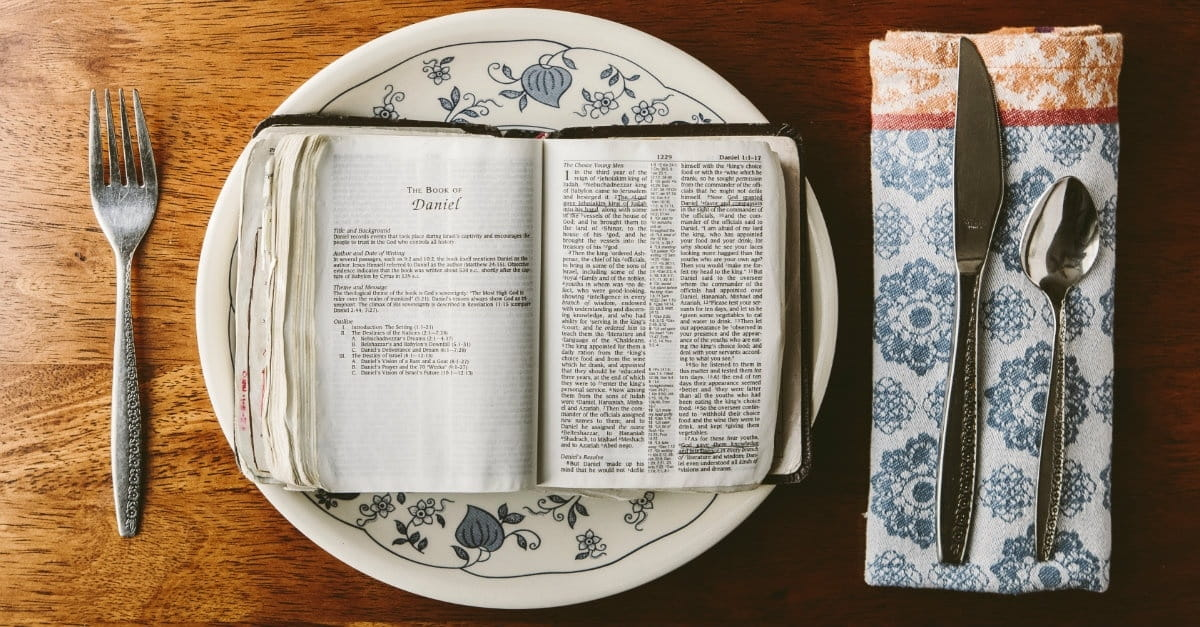 15 Ways to Feast upon the Word in the New Year