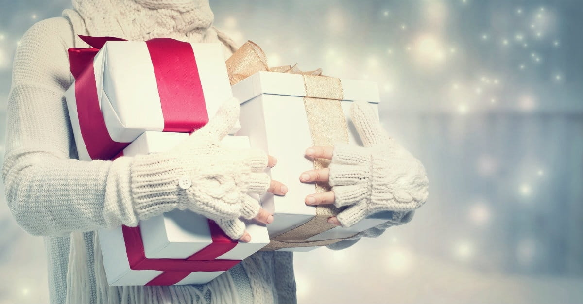 17 Ways Christians Can Give Back this Christmas
