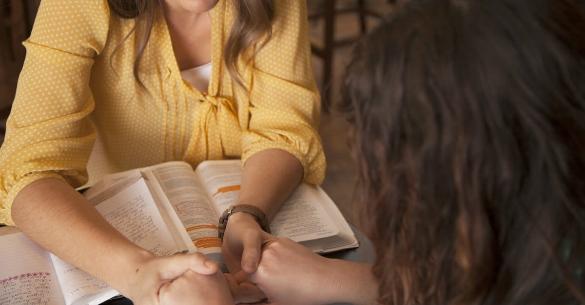 10 Ways Christians Can Evangelize without Being Weird or Pushy