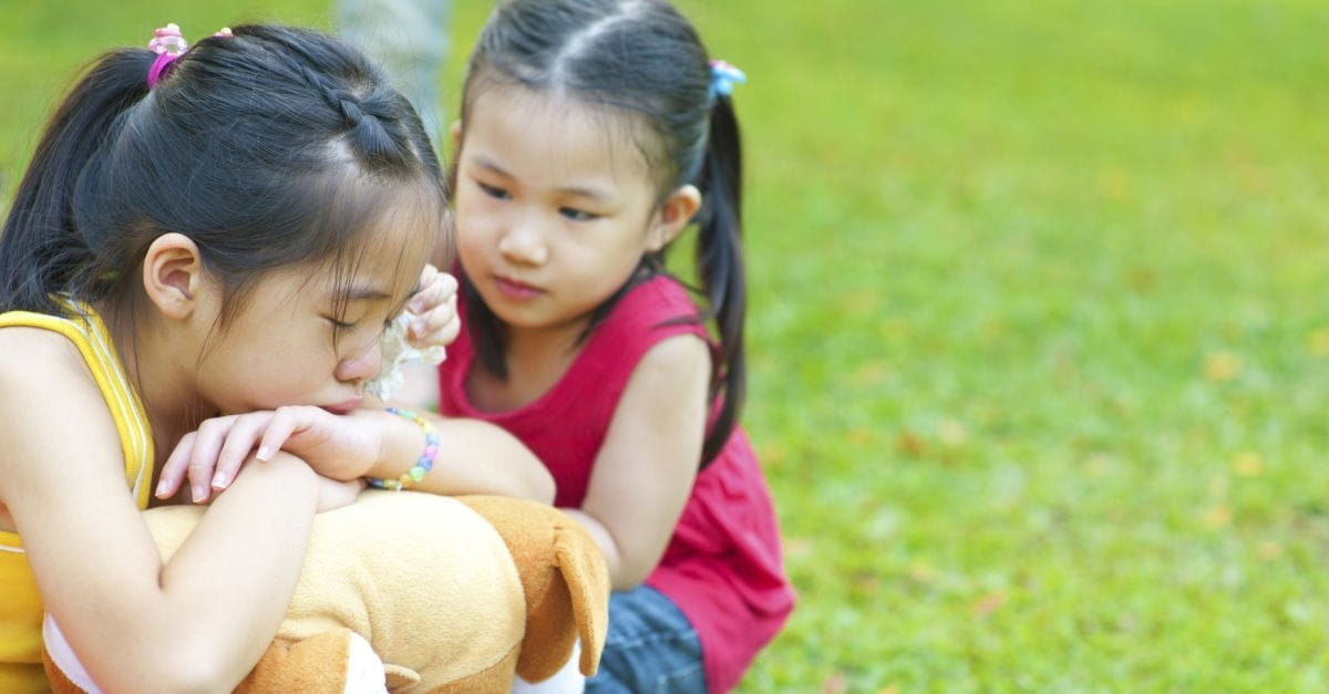 How to Teach Kids to Pray for Their Friends