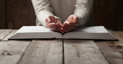 10 Bible Verses that Teach Us How Jesus Prayed