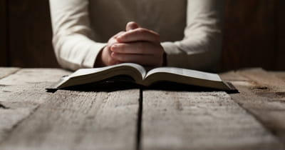How to Pray the Psalms for Comfort during Grief