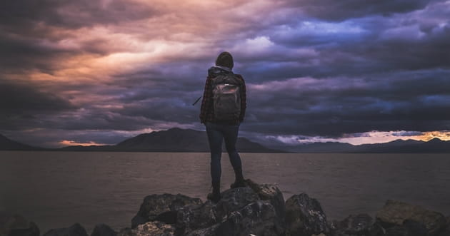 10 Verses for When Troubles Rise and Life Feels Overwhelming