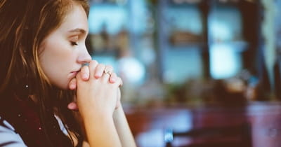 10 Powerful Benefits of Daily Prayer