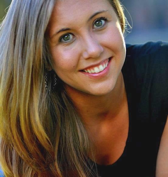 Amber Webb Headshot