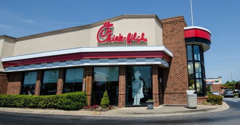 Chick-fil-A Offers Free Ice-Cream to Those Who Put Their Phone Away While Eating