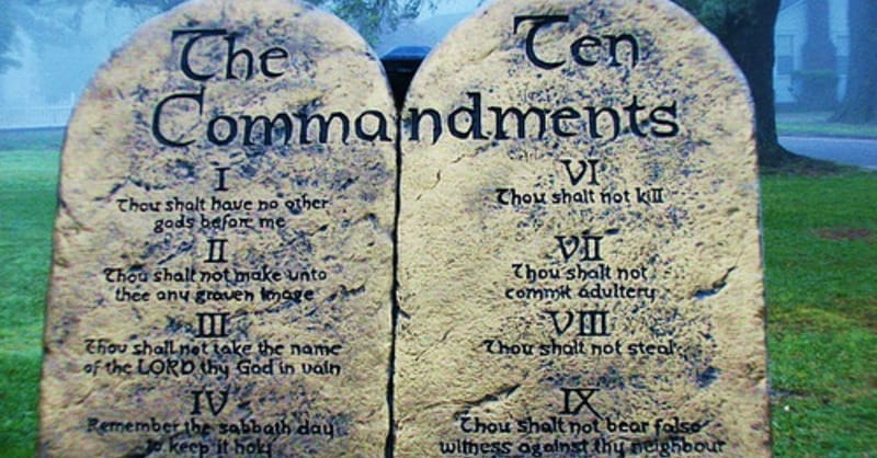 Oklahoma Attorney General Fights to Keep Ten Commandments Monument