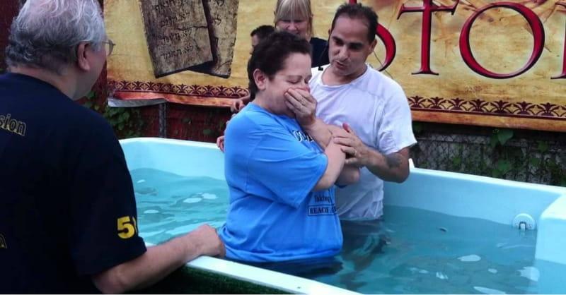Texas Church to Host over 300 Baptisms on Easter Sunday