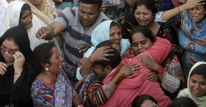 Pakistani Christians Protesting over Easter Bombing, Calling on Government to Combat Islamic Extremism