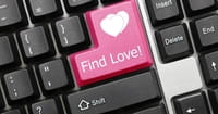 Survey Reveals Online Dating Hugely Popular among Young Evangelicals