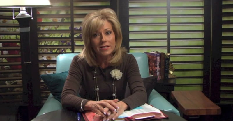 Beth Moore Calls Young Christians to Embrace Both Truth and Love