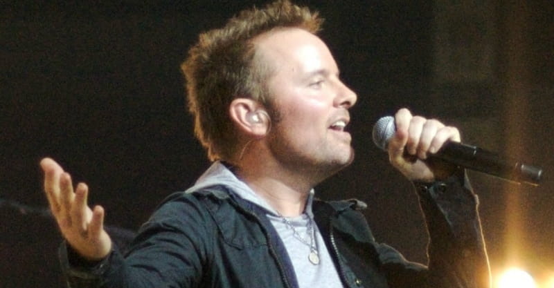 Chris Tomlin and Lecrae Team up to Perform Song Based on Ezekiel 37 Prophecy