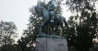 Robert E. Lee Descendant Believes Lee Statues Should be Taken Down