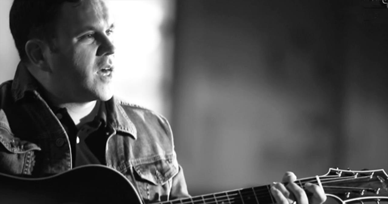 Matt Redman - 10,000 Reasons (Bless the Lord) (Official Music Video)