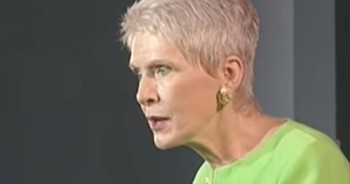 Jeanne Robertson Speaks The Truth When She Discusses Mothers Vs. Teenage Daughters. LOL!