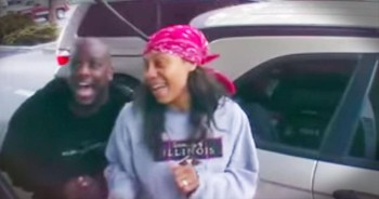 Funny Parents Caught On Camera Singing Karaoke At A Gas Pump