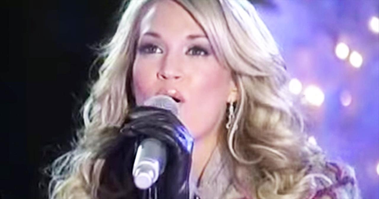 Carrie Underwood Performs STUNNING Version Of 'Do You Hear What I Hear?'