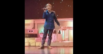 13-Year-Old Beautifully Sings 'Amazing Grace' A Cappell