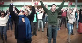 Gospel Flash Mob Surprises Mall Shoppers