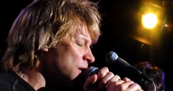 Powerful Performance of 'Hallelujah' by Bon Jovi