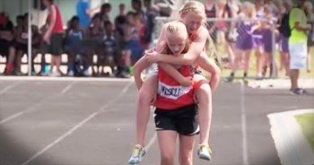 One Twin Comes To Her Sister's Aid In The Most 'Supportive' Way