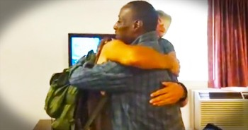 Former Homeless Man Is Paying It Forward In The Most AMAZING Way