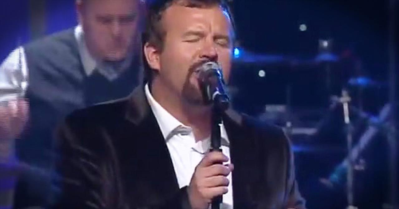 Casting Crowns Perform Beautiful Version Of 'I Heard The Bells.'