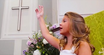 9-Year-Old Hallie Performs IMPRESSIVE Southern-Style 'Amazing Grace (My Chains Are Gone)'