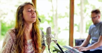 Lauren Daigle's Joyful Noise Will Takeover Your Heart With 'How Can It Be'