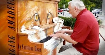 When Grandpa Noticed A Public Piano, He Gave The Crowd 1 UNFORGETTABLE Performance!