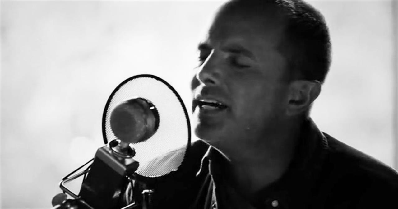 Chris Tomlin - Jesus Loves M