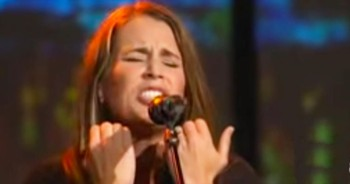 1 Woman's Anointed Voice Sings 'At The Cross (Love Ran Red)'