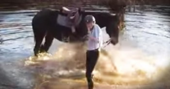 Adorable Horse Brings The Smiles When He Splashes Around In The River