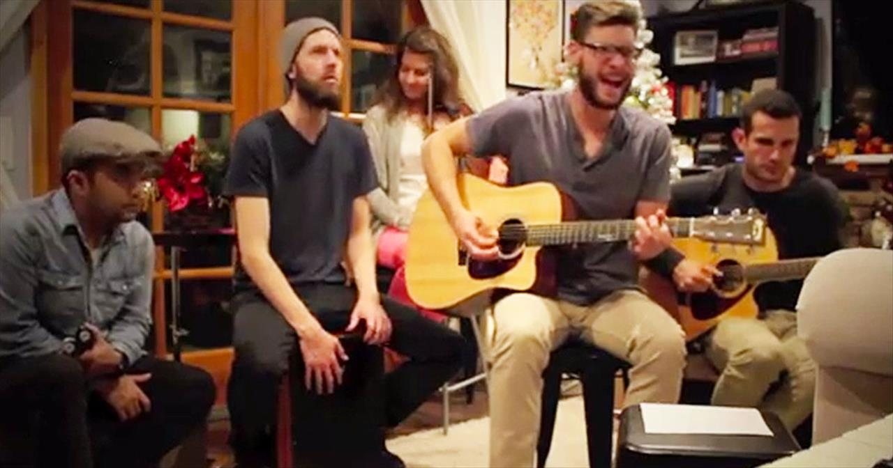 Acoustic Version Of 'The First Noel' Will Fill You With Christmas Joy