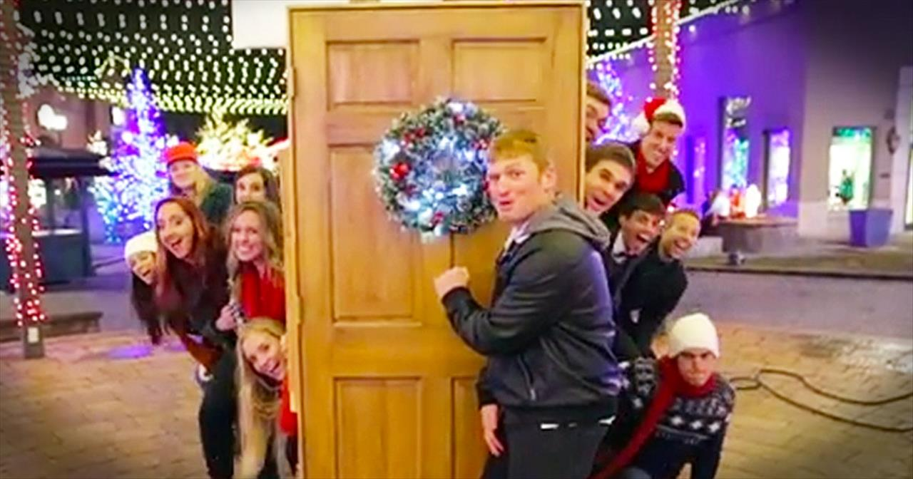 A Cappella Group Surprises Shoppers With Christmas Carols