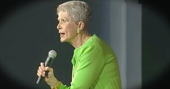 Jeanne Robertson Brings The LOLs With Reasons Why Men Shouldn't Reserve Rooms