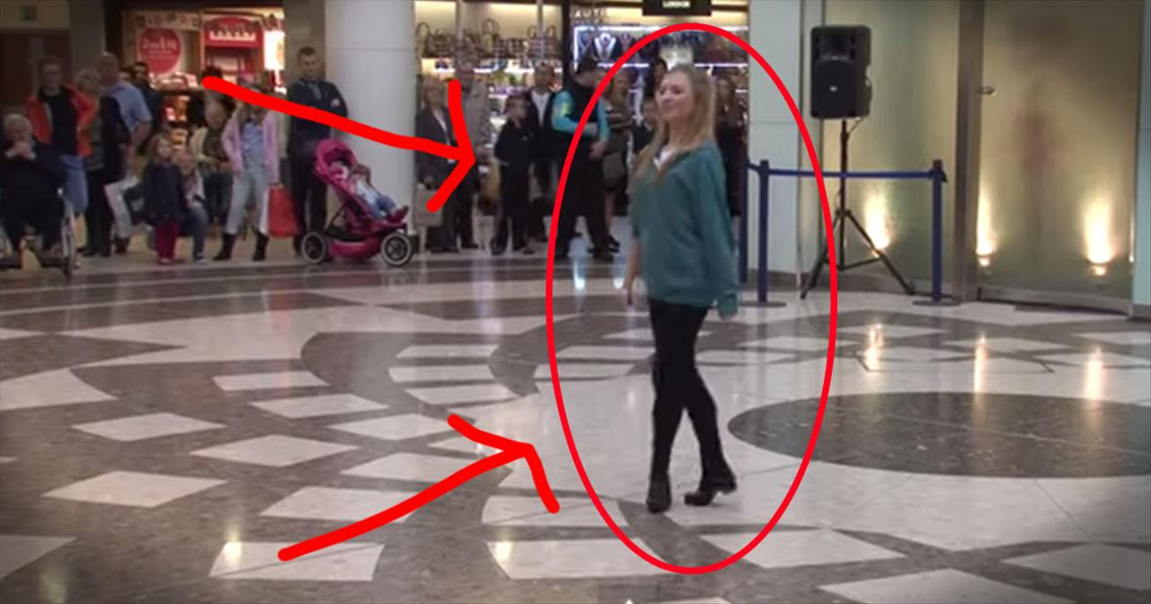 40 Irish Dancers STUN An Entire Mall With